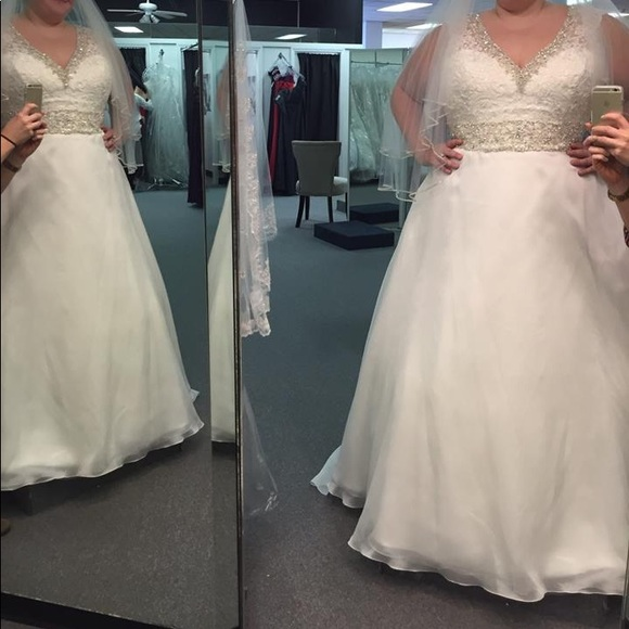 Mori Lee Dresses Wedding Dress Never Worn Very Slimming Poshmark